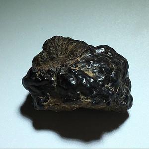 天外来客 陨石 穿越大气层时的燃烧痕迹清晰 陨槽 陨痕