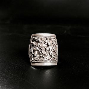 精品 清代高浮雕老银戒指一枚