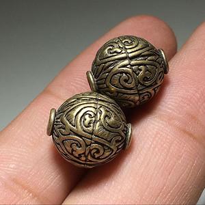 铜制缠枝莲纹 灯笼珠 一对 手工錾刻 工艺 十分不错