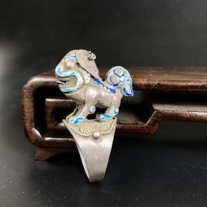 少见好玩有特色  清代老银烤蓝狮子戒指