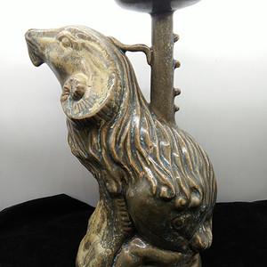 青釉羊型灯