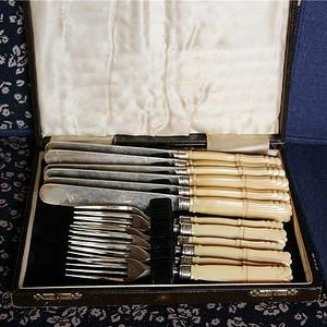 珍贵材质 带原装盒 回流刀叉餐具一套12件