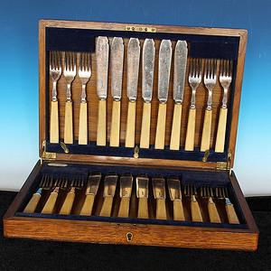 珍贵材质 带原装盒 回流刀叉餐具一套24件