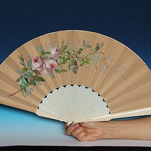 珍贵材质 带原装盒民国时期绢丝绘画扇