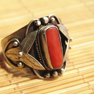 回流 红珊瑚戒面 配银托 戒指 手工斩刻 工艺精湛