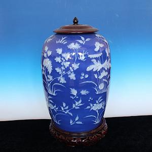收藏级 清中晚期蓝釉白花冬爪罐