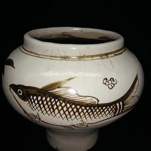 磁州窑鱼罐