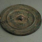 器刻瑞兽纹铜镜