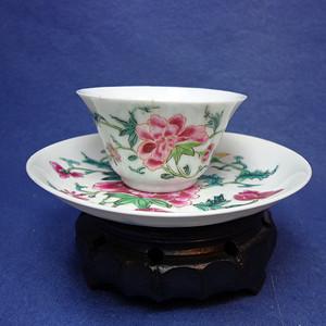 雍正粉彩薄胎透光牡丹纹杯碟一套 1911 T18