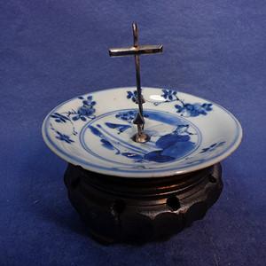 康熙酱釉青花山水纹蜡烛台 1917 T24