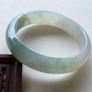 A货翡翠冰种飘绿手镯51.07g