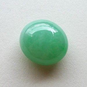 A货翡翠冰糯种满绿蛋面4.14g