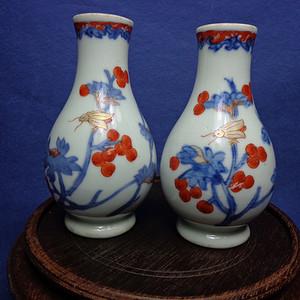 康熙青花矾红花果虫蝶纹小瓶一对 1122 G16