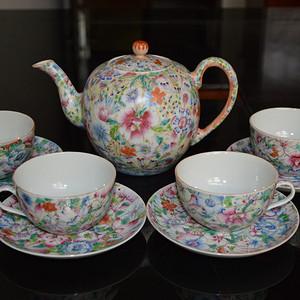 清光绪粉彩百花不漏地茶壶茶杯套装