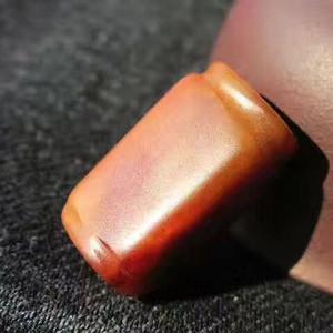 唐宋 和田籽玉 红沁 双束线口 方勒子 玉质细腻