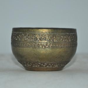 日本茶道锡制铸花器皿