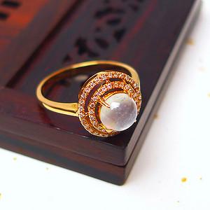 缅甸老坑A货翡翠18k金镶嵌伴钻冰种蛋型戒指