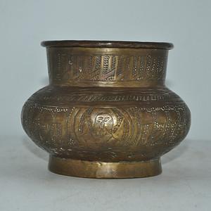 百年以上尼泊尔手工攒刻铜花瓶