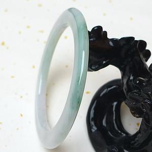 缅甸老坑A货翡翠冰种带阳绿扁圆手镯