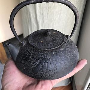 日本古董老铁壶