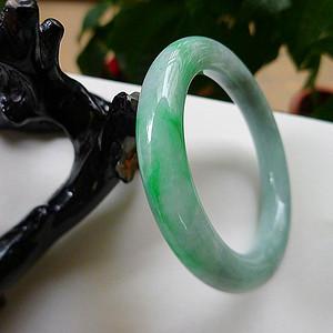 金牌 天然A货翡翠老坑水润飘绿圆条手镯