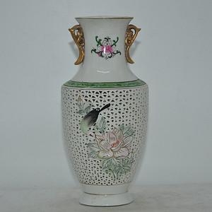 花鸟粉彩镂空瓷瓶
