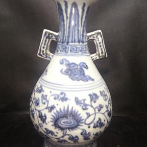 金牌青花瓶