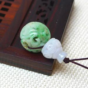 缅甸老坑A货翡翠冰润带绿镂空雕吊坠