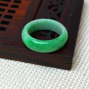 缅甸老坑A货翡翠冰润满绿戒指