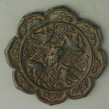 器瑞兽纹花型铜