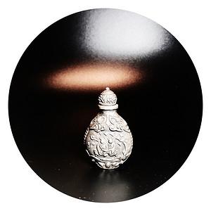 精品收藏 清代老银制浮雕鼻烟壶