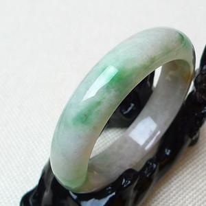 缅甸老坑A货翡翠冰润带绿宽边手镯