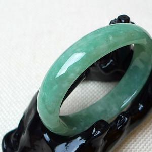 缅甸老坑A货翡翠冰润绿贵妃手镯