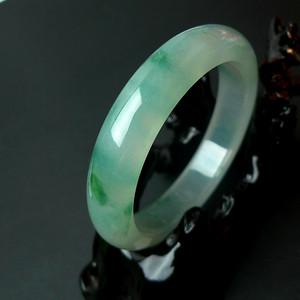 缅甸老坑冰种起荧光带绿宽边手镯 天然A货翡翠配证书
