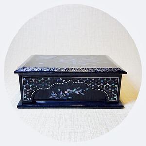 民国 创汇期黑大漆镶嵌螺钿满工首饰盒