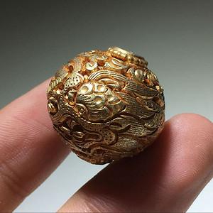 金牌 银鎏金 浮雕 錾刻 盘龙纹 珠 手工雕刻 工艺十分精美