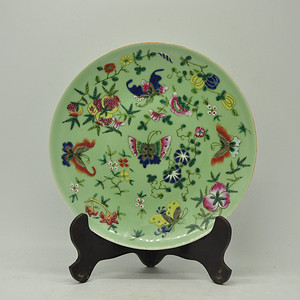 80年代粉彩瓷盘
