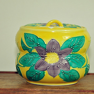 日本福字款粉彩茶叶罐
