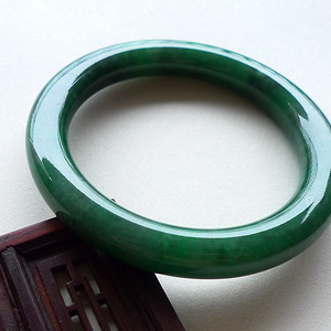 A货翡翠冰糯种满绿手镯55.04g
