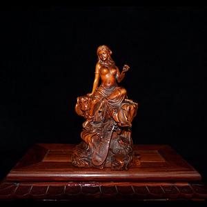 晚清民国时期黄杨木精雕细琢美女琵琶摆件