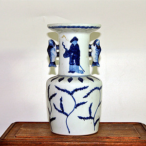 日本青花瓷瓶