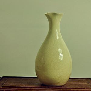 日本白釉瓷瓶