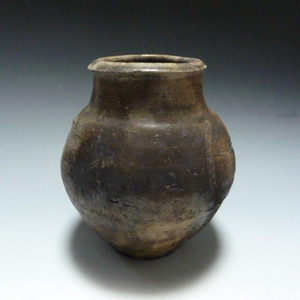 宋代青釉罐
