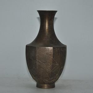 日本八角铜花瓶