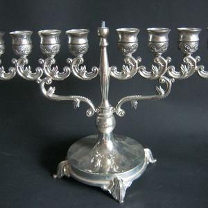 回流8孔银蜡烛台