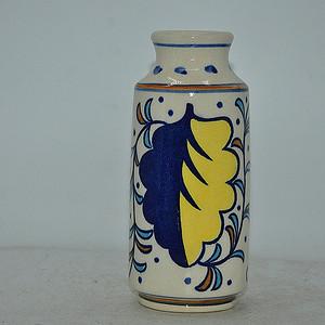 日本粉彩花瓶