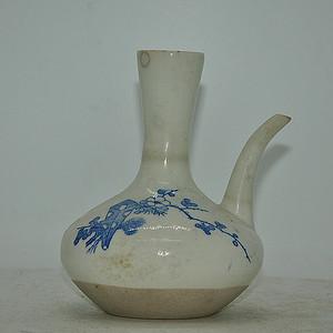 日本青花瓷壶