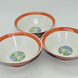 日本粉彩大碗三个