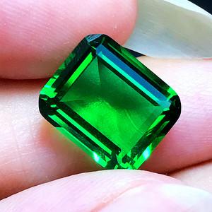 4.7克拉完美无裂电光绿尖晶石方形水晶戒面!
