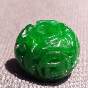 缅甸高绿翡翠如意纹佩珠